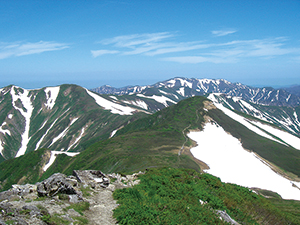 photo of Ridgelines of the Asahi Mountain Range (Non-volcanic mountain range)