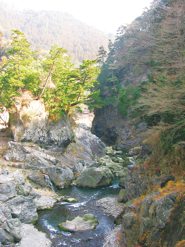 photo of Hatonosu Gorge