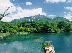 photo of A view point in the Mt. Amakazari (Geosite) and the Shiroike Pond  (outside the park)