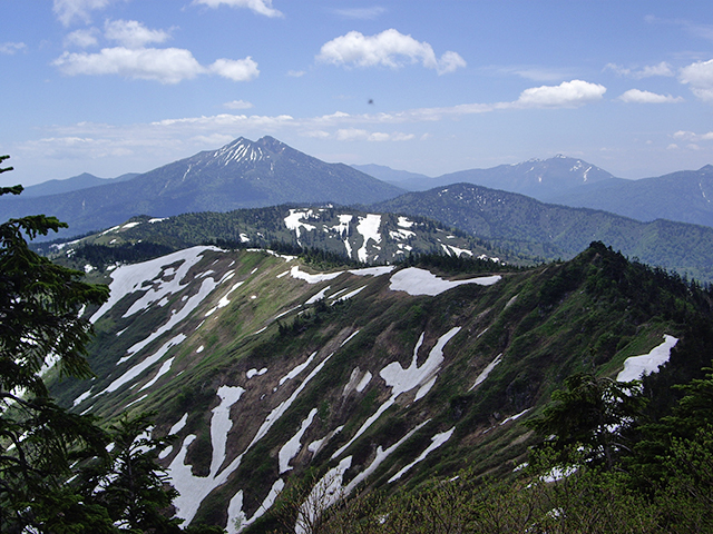 photo of Mt. Aizu-Komagatake